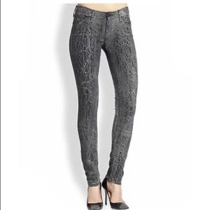Mother jeans the looker in graphite size 28